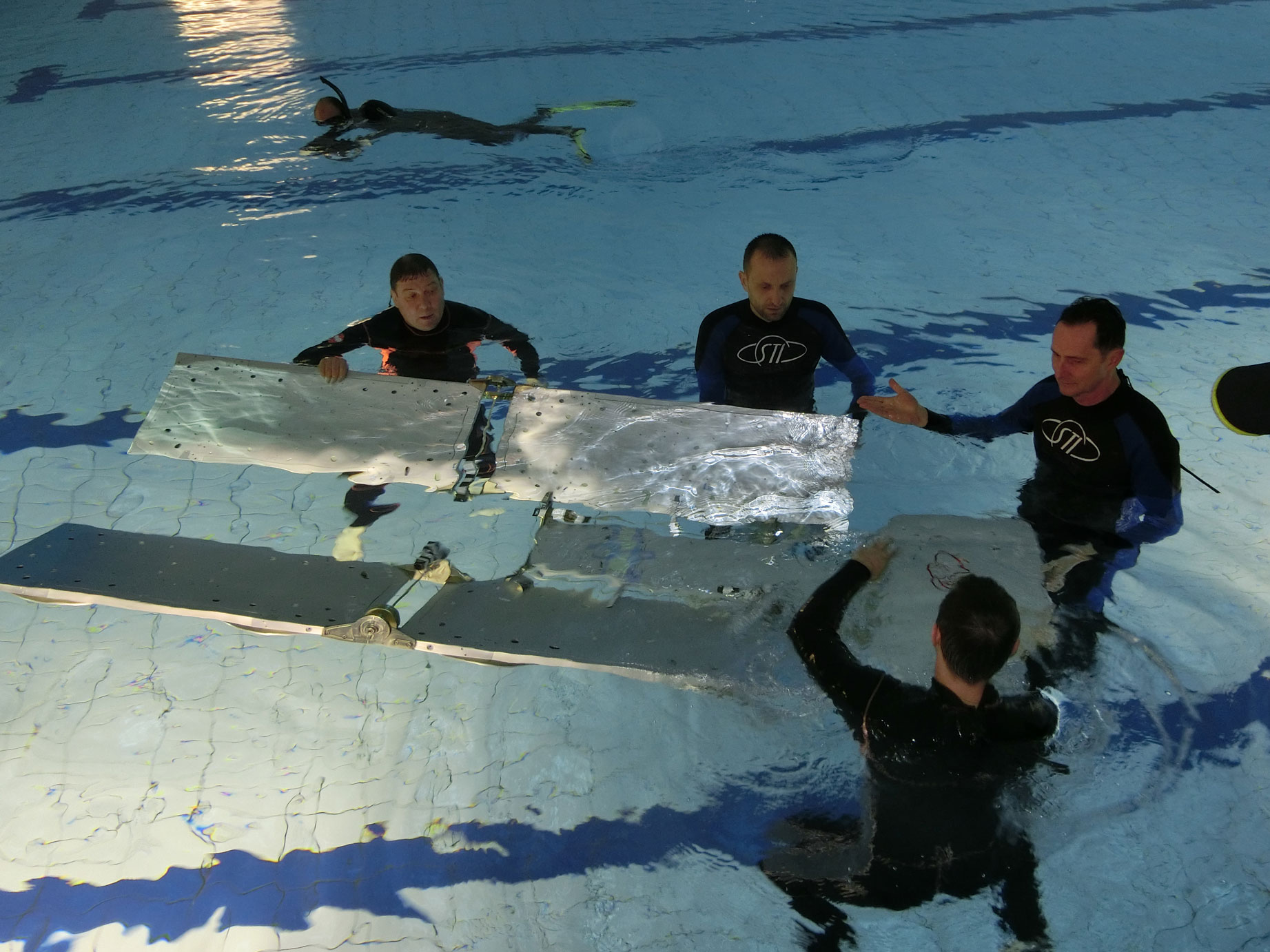 ICARUS deployment under water training Therme Constance Bild 1
